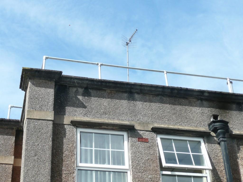 top fix guardrail using tube manipulation